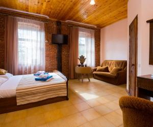 2-х местный 1-но комнатный номер Стандарт-Семейный без балкона или с балконом 1-я категория