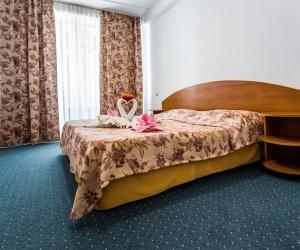 2-местный 2-комнатный полулюкс Корпус Малый